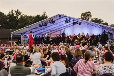proms stage and crowd